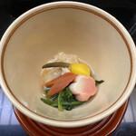 123448161 - 炊き合わせ〜金時人参、湯葉、白菜がちょっとづつ。