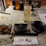 餃子ノあん GYOZA RESTAURANT&BAR - 石造りのカウンター