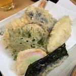 おけ常 - 料理写真:海老・茄子・白身魚・さつま芋・紫蘇・かまぼこ・海苔