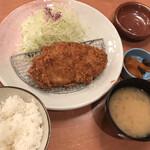 とんかついな葉 - 料理写真:ロースカツ定食 ごはん・しじみの味噌汁・キャベツ おかわり自由