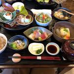 旬楽 さわ田 - 料理写真:旬楽膳+お造りと胡麻豆腐の湯葉あんかけ+じゃこ飯
