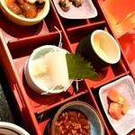 123483650 - 郷土料理ユック@新千歳空港店 酒肴セットの肴