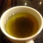 カフェ ジャンシアーヌ - パンをしゃぶしゃぶして食べると美味しかった~。流石ホテルのスープ