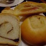 カフェ ジャンシアーヌ - モーニングバイキングのパン達01