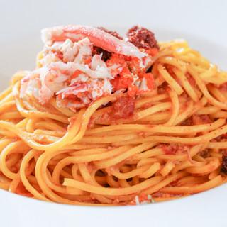 イタリア産を中心としたこだわりの食材や調味料を一皿に変えて