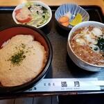 満月 - 料理写真:とろろ丼セット900円!