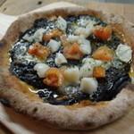 みんなのKitchen - 黒色pizza イカスミ
