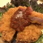 海老 蟹 魚卵 ときどき鶏 洋風酒場ノンバル - 令和生まれの厚切りハムカツ680円