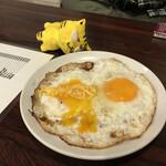 立ち呑みフレッシュ - 目玉焼き250円(税込)