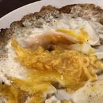 立ち呑みフレッシュ - 桃象食い ※潰れた黄身に、醤油をかける技(こぼれない)