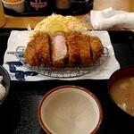 かつ壱番屋 - 厚切りロースカツ定食1100円