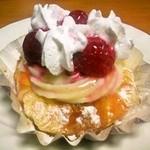 ミニョン - クリームチーズ木いちご (160円)