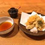 蕎麦ひら井 - さわら、ふきのとうの天ぷら
