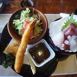 伊豆高原ビール本店レストラン - セットの揚げ物とお刺身