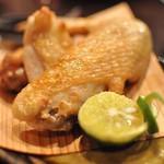 酒仙ひむか - 尾鈴山鶏の手羽先塩焼き(400円)