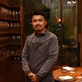 坂本健氏(サカモトケン)─魂込めた料理で生産者とゲストを結ぶ
