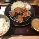 とり多津 - 金賞からあげ定食並(790円)