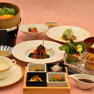 季節の味覚が堪能出来る、多彩な宴会プランをご用意。