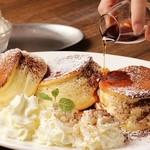 COCO cafe - 料理写真:スフレパンケーキ