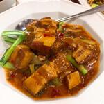 徐福苑 - 毛沢東が好んだ豚バラ肉の煮込み580円