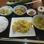 台湾家庭料理 茶思味 - 1.エビ玉炒め+麻婆豆腐set 870円