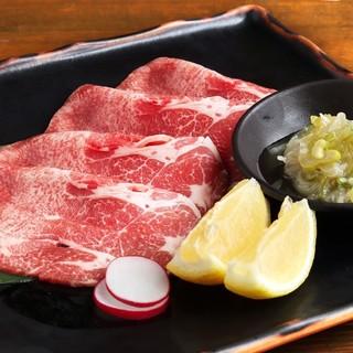 焼肉とホルモン全品500円(税別)で提供