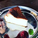 ニカイノマド - ベイクドチーズケーキ