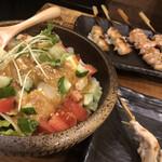 炭火焼鳥 とりだん - 自家製ゴマドレッシング豆腐のヘルシーサラダ/せせり/ぼんじり