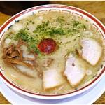 田中そば店  - 山形辛みそ 920円 魚介出汁&軽やかな味噌!これが実に美味いのです♪