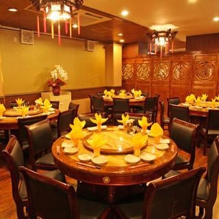 《華やかなテーブルセッティングで食事を》1時間2000円