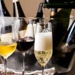 ラ・ファットリア - シャンパーニュからスパークリングワインなでご用意