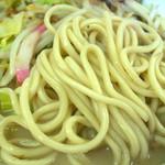 浜ちゃんぽん - しっかりした麺と濃厚でパンチの効いたスープです。