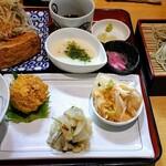 十割蕎麦 千花庵 - 日替わり定食990円に+300円でざる。