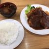 カトレア - 料理写真:豚ヒレカツ <ライス・赤だし付>