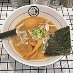81番 - 濃厚豚骨魚介ラーメン¥900