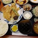 やゆよ・食事屋 - 豚天ぷら定食930円。