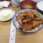 123641018 - 天丼(しじみの味噌汁、漬物付き)