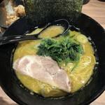 横浜家系ラーメン 銀家 - ラーメンとんこつ醤油