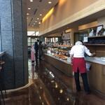 スワン カフェ&ベーカリー - 日本財団ビルの1階