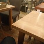 パンケーキママカフェ VoiVoi - 店内はお洒落な雰囲気