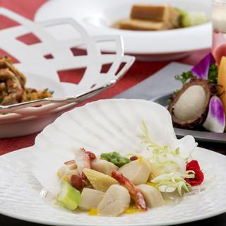 旬の野菜や新鮮な魚介が織りなす、本場の中華料理に舌鼓。