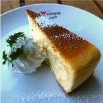 ウィラーエクスプレスカフェ - デザートにニューヨークチーズケーキ!(税込\440)