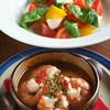 西麻布 シャンデル - 料理写真:海老の陶板焼・水牛のモッツァレラチーズのカプレーゼ