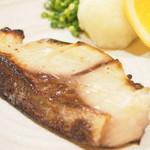 梅山鉄平食堂 - 「ブリの塩こうじ漬け焼き」まだ召し上がってない方は是非!