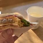 123680963 - 岡山空港で食べてみた