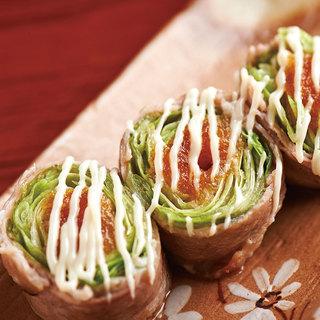豚肉のジューシーさと新鮮野菜が味わえる、肉巻き野菜串!