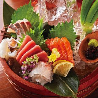 ねぎの美味しさが引き立つ逸品のほか、鮮魚のお造りもご用意