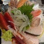 タカマル鮮魚店 - 刺し花盛り