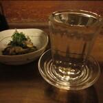 123690721 - 【1杯目】高清水 辛口 燗酒 お通し付き 900円 (2019.12)