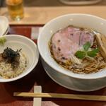 燃えよ麺助 - 料理写真: